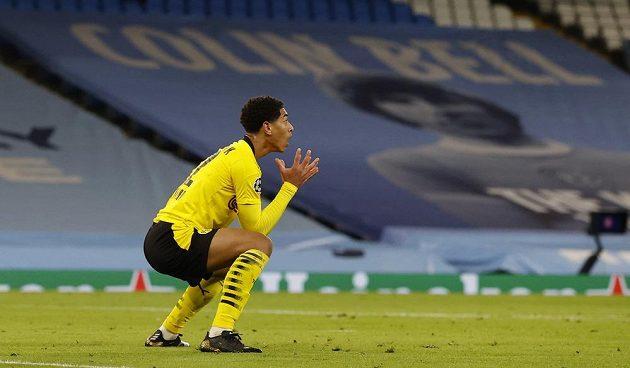 Dortmundský Jude Bellingham v duelu Ligy mistrů s Manchesterem City.