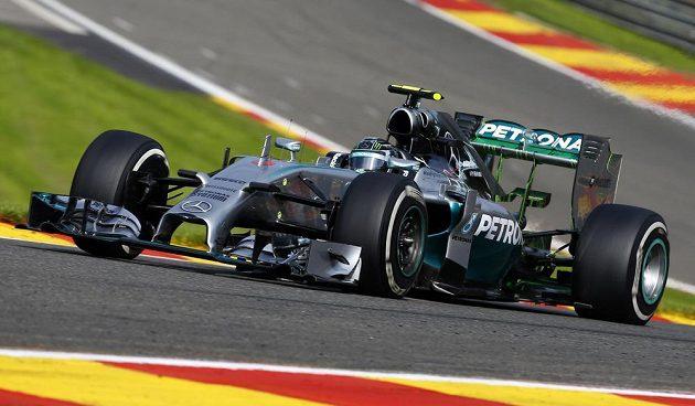 Němec Nico Rosberg během tréninku ve Spa-Francorchamps.