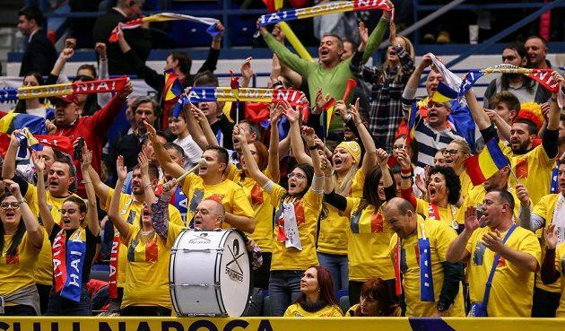 Radost rumunských fanoušků v Ostravě.
