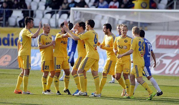 Radost jihlavských hráčů z druhého vstřeleného gólu do sítě Liberce.