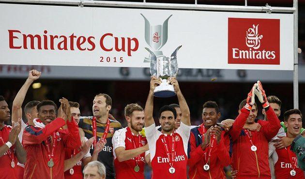 Trofejí není nikdy dost, říkají si fotbalisté Arsenalu po další úspěšné přípravě na novou sezónu.