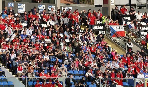 Čeští fanoušci v Serravalle.