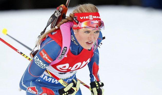 Česká biatlonistka Gabriela Soukupová na trati v Pokljuce.