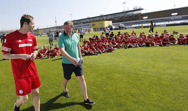 Nová posila Arsenalu a reprezentační kouč Pavel Vrba na 10. ročníku Fotbalové školy Petra Čecha.