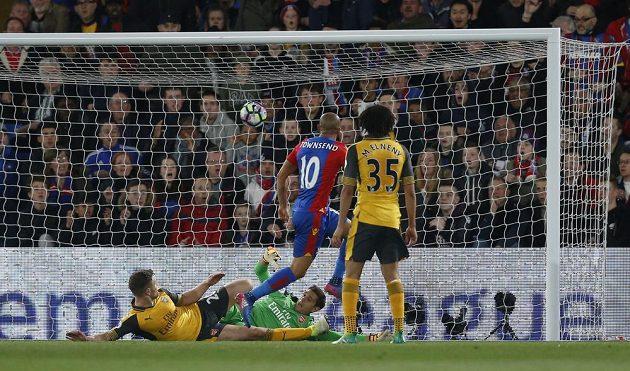 Obrana Arsenalu nezachytila Townsendův náběh a brankář Martinez byl bezmocný.