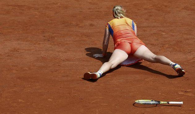 Takto dopadla Světlana Kuzněcovová po jedné z výměn v duelu s Petrou Kvitovou.