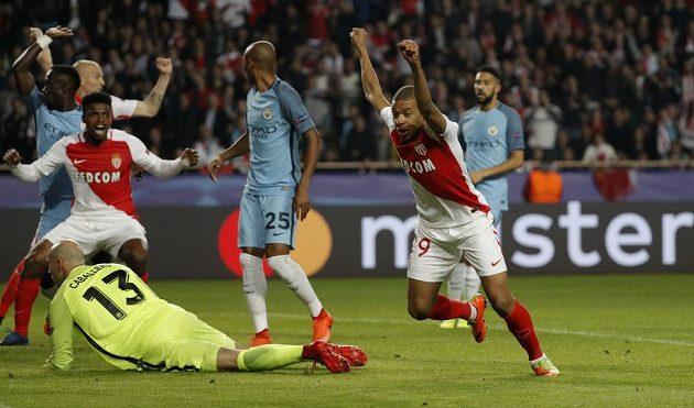 Radost Kyliana Mbappého z Monaka poté, co otevřel proti Manchesteru City skóre.