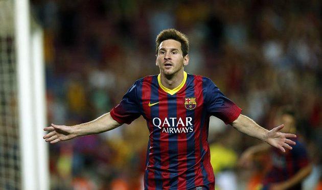 Messi oslavuje svou branku, kterou v osmé minutě započal galapředstavení katalánského týmu.