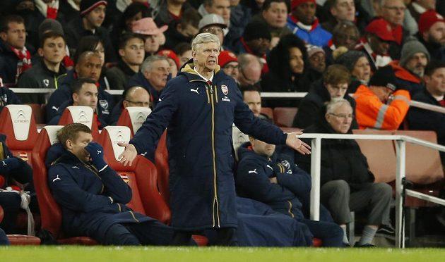Trenér Arsenalu Arsene Wenger během zápasu na Emirates Stadium proti Southamptonu.