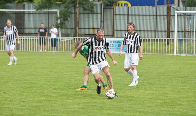 Také Dominik Hašek předvedl své fotbalové umění