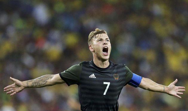 Němec Max Meyer vyrovnal stav finále s Brazílií na 1:1.