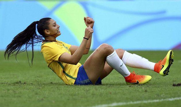 Brazilka Beatriz poté, co neproměnila šanci v zápase s Čínou.