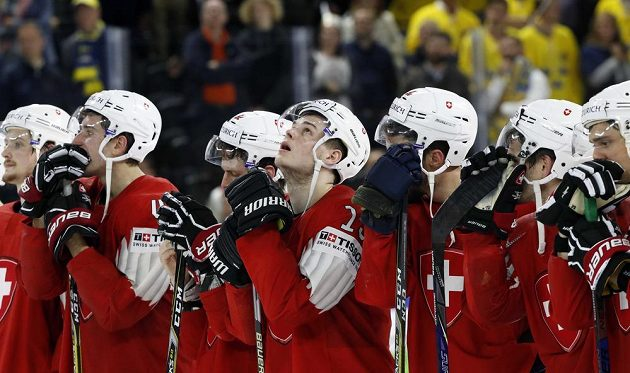Byli blízko zázraku, ale Švýcaři se zlata na MS nedočkali, prohráli ve finále 2:3 po samostaných nájezdech se Švédy.