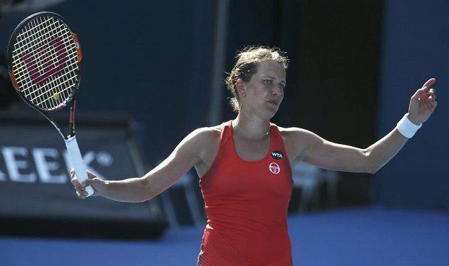 Česká tenistka Barbora Strýcová prohrála v semifinále turnaje v Sydney s Polkou Agnieszkou Radwaňskou.