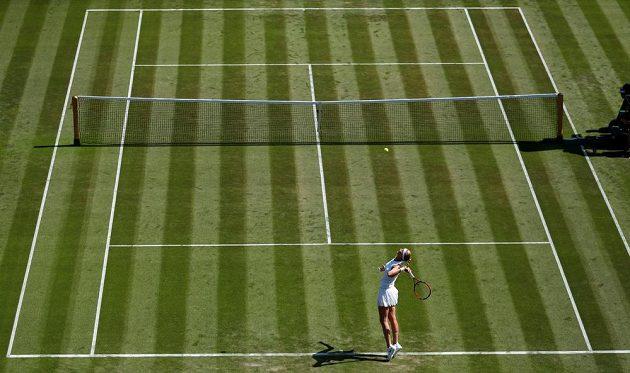 Petra Kvitová bojovala v prvním kole Wimbledonu se Sasnovičovou