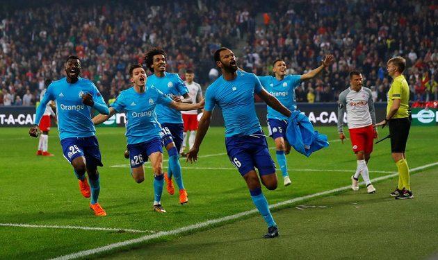 Rolando z Marseille se raduje z gólu v prodloužení proti Salcburku.