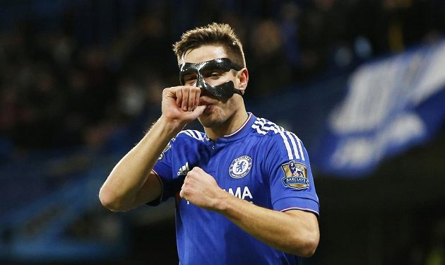 Cesar Azpilicueta z Chelsea slaví svoji trefu proti West Bromwichi.