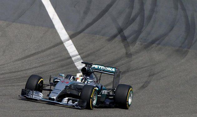 Lewis Hamilton ve Velké ceně Číny.