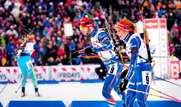 Gabriela Soukalová předala na třetí úsek Michalu Šlesingrovi.