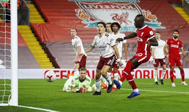 Sadio Mané měl při vyrovnávacím gólu na 1:1 snadnou pozici.