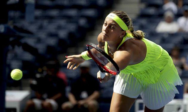Petra Kvitová během duelu druhého kola US Open s Caglou Büyükakcayovou z Turecka.