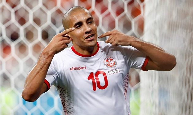 Tunisan Vahbí Chazrí slaví gól proti Panamě.