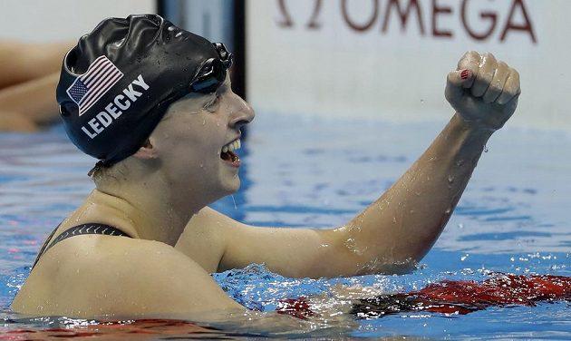Američanka Katie Ledecká ovládla závod na 200 metrů volným způsobem.