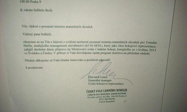 Omluvenka Tomáše Hertla, kterou zaslal do školy generální manažer hokejové reprezentace Slavomír Lener.