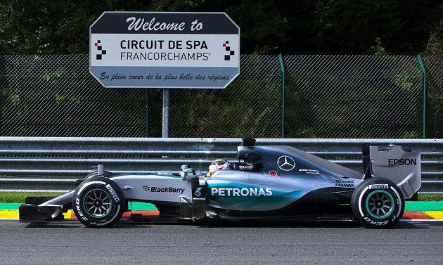 Světovému šampiónovi Lewisi Hamiltonovi v kvalifikaci okruh ve Spa sedl.