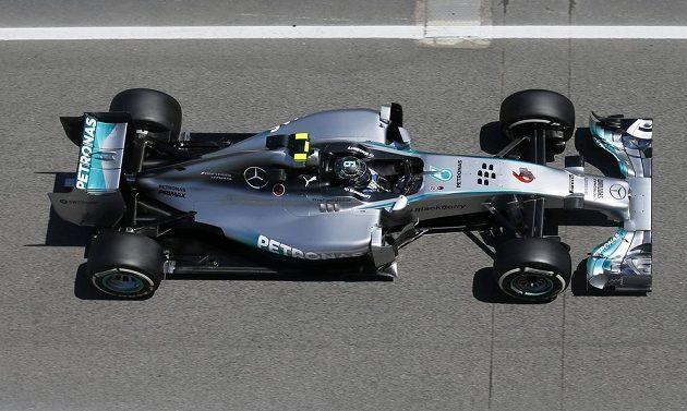 Německý pilot F1 Nico Rosberg ze stáje Mercedes během tréninku na Velkou cenu Španělska.