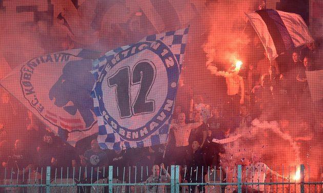Fanoušci Kodaně se radují z gólu proti Jablonci.