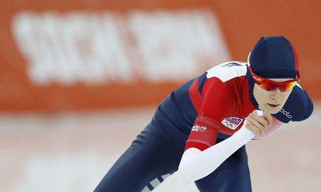 Martina Sáblíková na olympijské trati na 5000 metrů.