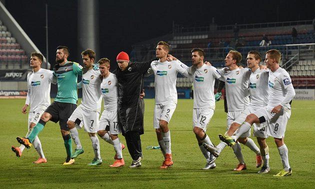 Fotbalisté Plzně se po výhře v Olomouci loučí s fanoušky.