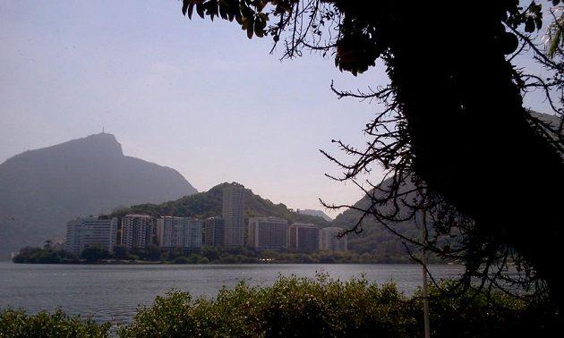 Na laguně se bude bojovat o olympijské kovy ve veslování a kanoistice.