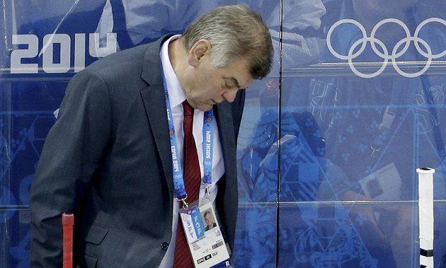 Zdrcený kouč Slováků Vladimír Vůjtek během utkání s USA.