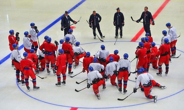 Trénink během přípravného kempu adeptů české hokejové reprezentace