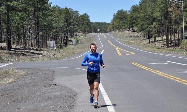 Robert Young se snaží přeběhnout Ameriku, téměř 5000 kilometrů za 46 dní.