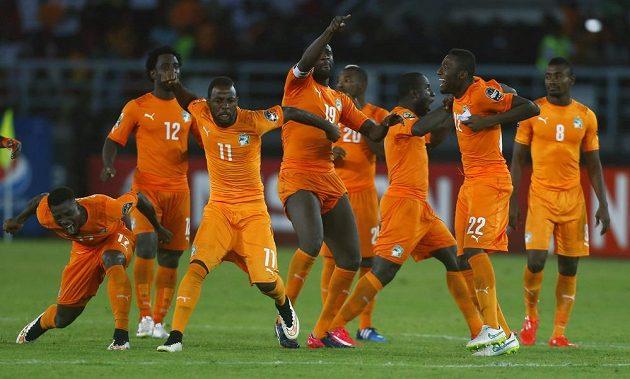 Radost fotbalistů Pobřeží slonoviny, vyhráli finále afrického mistrovství s Ghanou.