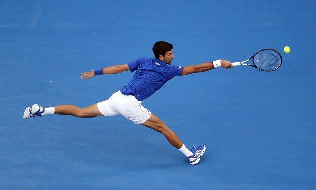 Djokovič v úvodu finále AO s Nadalem udával tempo.