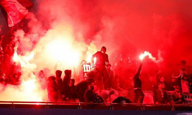 Fanoušci PSG při duelu Ligy mistrů s Realem Madrid.