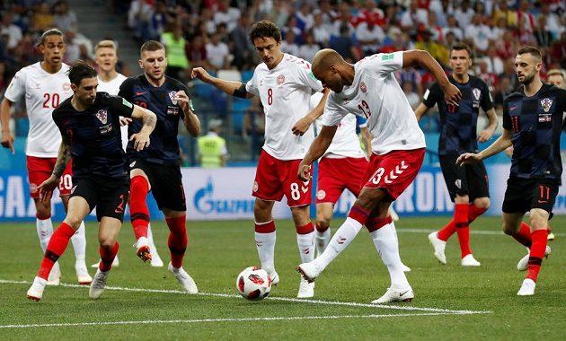 Gól hned v 1. minutě! Dán Mathias Jörgensen skóruje proti Chorvatsku.