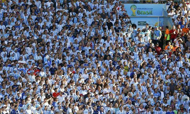 Argentinští fanoušci sledují finále mistrovství světa.