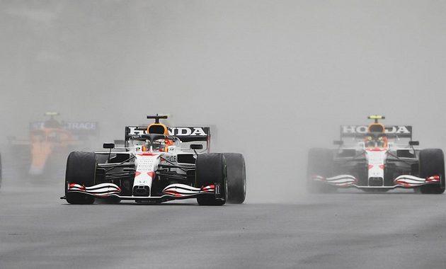 Max Verstappen z Red Bullu v akci ve Velké ceně Turecka