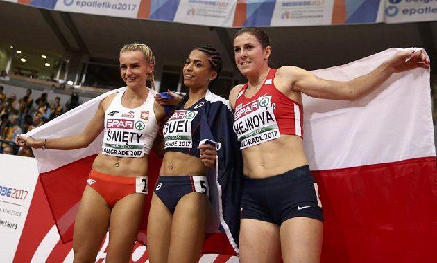 Tři nejlepší čtvrtkařky HME v Bělehradě - (zleva) bronzová Polka Justyna Swietá, vítězka Floria Gueiová z Francie a stříbrná Zuzana Hejnová.