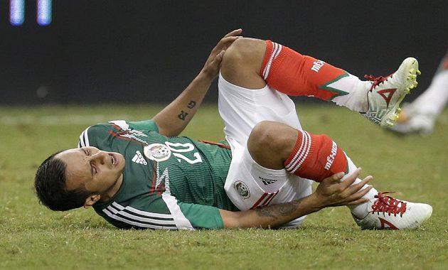 Mexičan Luis Montes si v přípravném duelu s Ekvádorem ošklivě zlomil nohu.