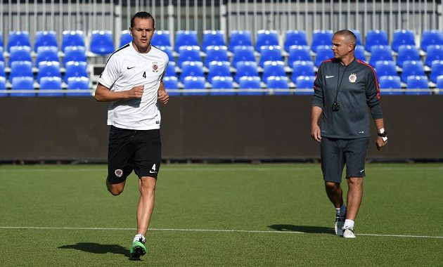 Obránce Sparty Ondřej Švejdík (vlevo) a trenér Vítězslav Lavička.