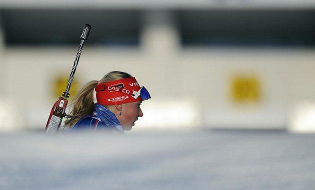 Česká reprezentantka Eva Puskarčíková v závodě SP ve smíšených štafetách dvojic v Novém Městě na Moravě.