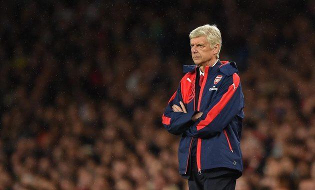Trenér Arsenalu Arséne Wenger v utkání s Liverpoolem.