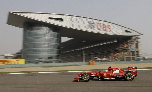 Alonso ve Velké ceně Číny útočí na medailové pozice.