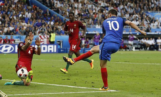 Centimetry scházely a z Andrého-Pierra Gignaca mohl být ve Francii národní hrdina.